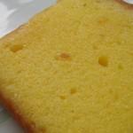 ルスティカ菓子店 - レモンのバターケーキ