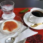 55101470 - ミルクプリン&コーヒー
