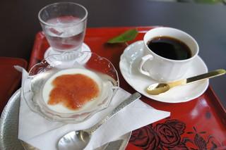 行形亭 - ミルクプリン&コーヒー