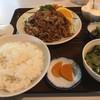 野麦 - 料理写真:焼肉定食(税込980円)。定食には写真に加えてコーヒーとチョコも付きます