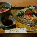 音市楼 かくれ庵 - 『12品目のサラダ蕎麦&ミニまぐろ丼』 h28.8.22撮影