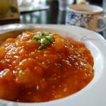 パーラージロー - 海老チリ丼スープ付きます(¥680税込み)