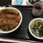 もりもり亭 - 豚肉みそ漬炙り焼丼(680円)