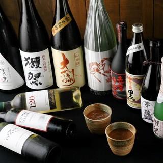各コース+1000円で月替わり全国の地酒も飲み放題に!!