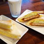 サンカフェ - エッグ、エビステーキ、バナナジュース