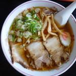 ひまわり - 料理写真:ラーメン(¥550税込み)魚介系スープとなりますが、何気に味わいは深い。ビジュアルも素晴らしい
