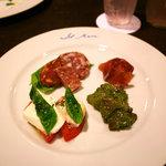 5511750 - ディナー:前菜の盛り合わせ