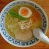 Isshin - 料理写真:塩らーめん680円