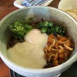 箱館山レストラン・第2ヒュッテ - おくらなめことろろそば