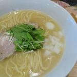 はぐれ雲 - 鶏白湯そば・並+特製盛りトッピング 950円