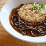 常盤軒 - 黒い蕎麦!