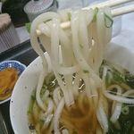 ゆ釜 - こちらの麺はすべて細うどん。食べやすいですね。