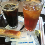 エクセルシオール カフェ - ドリンク写真:西岡君はアイスコーヒー私はアイスティー♪♪