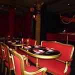 ヴァンパイア カフェ - テーブル