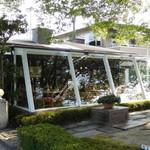 ドルフ - サンルーム席(外から見る)