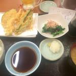 天丼てんや - 天ぷら定食680円