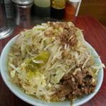 55141734 - 富士丸ラーメン850円。野菜 にんにく増し。