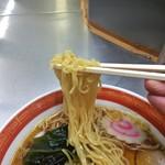 55141885 - 麺リフト。