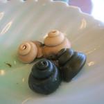 大衆磯料理 磯辺 - 身をとった後ww白い方が臭みがよりなかったです(^^)