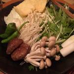 博多水炊き 海鮮 囲み屋 晴 - 追加の野菜