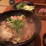 博多水炊き 海鮮 囲み屋 晴 - 地鶏のすき焼き〜!