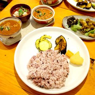 初台スパイス食堂 和魂印才たんどーる - 料理写真: