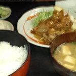 とんかつ 江戸 - 豚焼肉定食880円