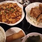 龍府 - 麻婆豆腐と唐揚げのセット
