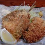 魚市場食堂 - 日替定食の白身・アジフライ
