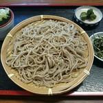 蕎麦処 みたて - 料理写真:ざるそば(750円)