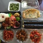 韓国キムチ専門店花子キムチ - 今日のお昼ご飯\(^o^)/野菜中心でヘルシー♪♪