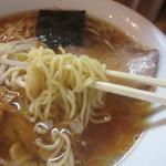 らぁめん めん○ - コシ有り縮れ麺