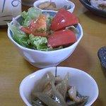 寿しのマス屋本店 - サラダ、お椀、小鉢つき