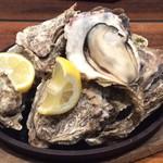 Oyster Bar ジャックポット - 国際ビル店名物☆殻つき牡蠣の漁師焼き!