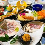 木蓮 - 料理写真:【3,000円コース(税込)】女将自慢の新鮮な魚介をご堪能下さい! 関アジやクロメ汁など木蓮で大好評の海鮮料理がお楽しみいただけます。 豊後水道・潮流の早い水域で水揚げされた大分佐賀関の新鮮な海鮮の数々をぜひ味わってみて下さい。