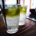 ダブルトールカフェ - 緑茶エスプレッソのソーダ割り