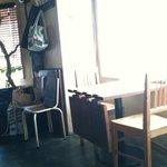 kong tong - 窓側の席