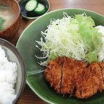 とん水 - ロースカツ定食