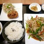 桂林米粉 山水家 - ニラレバ炒め定食¥730。昼からたっぷり野菜を摂れるのは嬉しいです!