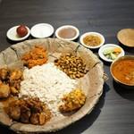 ネパール民族料理 アーガン - ネワリボジセット全体図