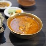 ネパール民族料理 アーガン - タマ(タケノコのカレー)
