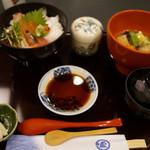 55183536 - 海鮮丼(1550円)+治部煮(500円)