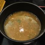 麺匠 桂邸 - 豚骨醤油スープ(醤油ベース)
