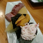 55185722 - 奥から飛騨牛、数の子、ウニの西京漬け、蟹サラダ