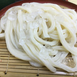 うどん市場 - 氷がちりばまれた麺(*´д`*)