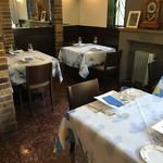 Restaurant Ange jeu - 季節でクロスが変わります