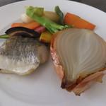 55189989 - チカ鯛のソテー、有機野菜添え
