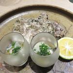 角と - 岩牡蠣。