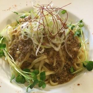 照喜名製麺所の「琉球生麺」