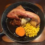 ダッチ - 料理写真:チーズアンドベーコンハンバーグ、1650円です。